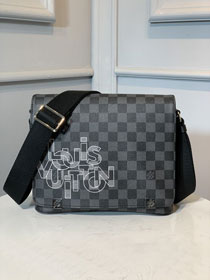 Louis vuitton original damier graphite district messenger bag N41031