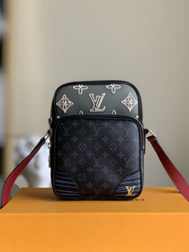 Louis vuitton original monogram eclipse slingbag M68686