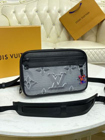 Louis vuitton original monogram 2054 camera bag M55698 black