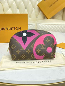 Louis vuitton game on monogram pochette cosmetique M80283